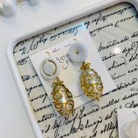 clear button baroque pierced earrings