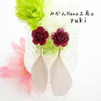 【yk103】ひらひらフェザーのイヤリング [ピアス変更可] (フラージュ)