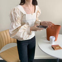 volume sleeve square blouse