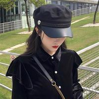 black casquette