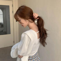 back strings puffsleeve knit