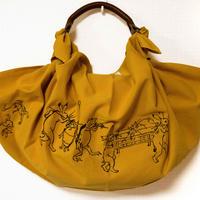 帆布ふろしきバッグ鳥獣戯画刺繍カラシ