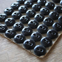 ガラスボタン 黒 2つ穴 10mm   11mm   12mmm