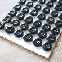 ガラスボタン 黒 4つ穴 10mm