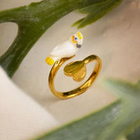 White Cockatoo Heart Ring    Nach