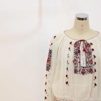 ビンテージ チェコスロバキア 刺繍ブラウス [095]