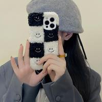 チェック柄刺繍入り笑顔 iphone13/13proケース もこもこファー iphone12プロ/11カバー  暖かい ふわふわ肌触りM1174