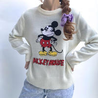 🌈MICKEY MOUSE KNIT SWEATER🌈