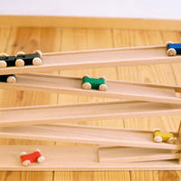 〈6ヶ月-〉【動きの玩具(見る→動かす)】トレインカースロープ