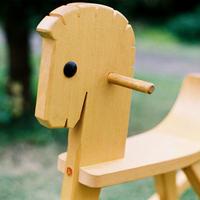 〈1才-〉【乗り物】木馬 白木 ペーター