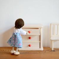 【ドールハウス/家具】〈3才-〉3段チェスト