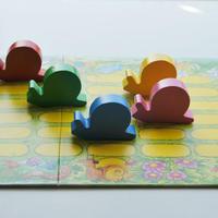 〈購入時期目安:3才〉【ゲーム/色サイコロ遊び】テンポかたつむり