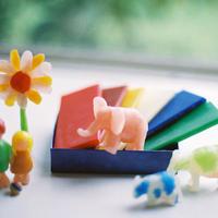〈3才-〉【工作】【指先を使う玩具】みつろう粘土 6色6枚 125g