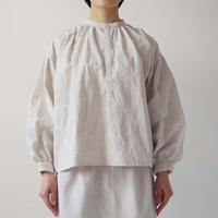 【10月号掲載分】Canako Inoue| 花冠 〈刺繍〉/ ギャザーブラウス 桃