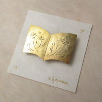 charan 山田亜衣|真鍮ブローチ 本B