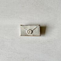 【6月号掲載分】fuji-gallery 手紙ブローチ(白)