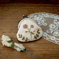 piece|poritorieさんのリボン刺繍 野の花がま口キット 春