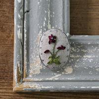 piece|poritorieさんのリボン刺繍 ハナコトバブローチキット Violet