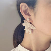 Shizuka, d.s. | Seeds with pearl & Layered leaves No.40《ピアス》【受注商品:11月中発送】