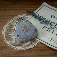 piece|poritorieさんのリボン刺繍 野の花がま口キット 冬