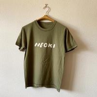 makomo|NEOKI Tシャツ(カーキ)