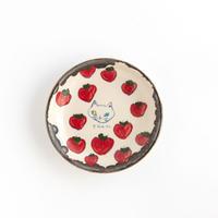 chato 1豆皿 ネコとイチゴ
