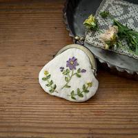 piece|poritorieさんのリボン刺繍 野の花がま口キット 夏