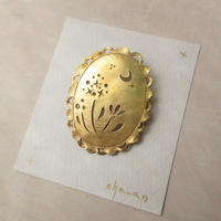 charan 山田亜衣|真鍮ブローチ 花模様(楕円)