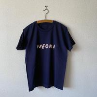 makomo|NEOKI Tシャツ(ネイビー)