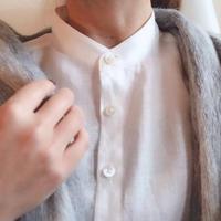 つかず離れずが心地いい リネンシャツ スタンドカラーver. 白、黒、リネンカラーからお選びください