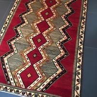 【ラグ】商業的に織られたものではなく、遊牧民が自家用に織られたトルコラグ