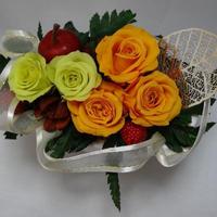 プチブリザーブドフラワーとりんご(色は3種類から選択)
