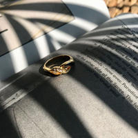undulate black ring