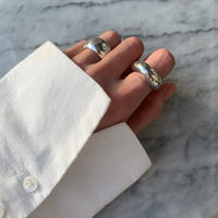 crescent moon ring  ( gold/silver )