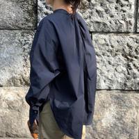 バックディテールパールボタンシャツ(ネイビー)