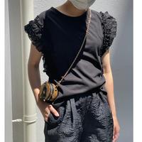 袖デザインフリルカットソー(ブラック)