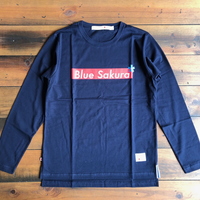 "BLUE SAKURA -  STEP L/S T-SHIRT ""BOX-LOGO""【ネイビー】"