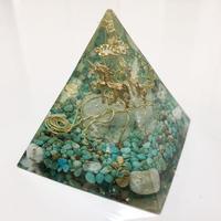 ピラミッド型オルゴナイト(希少!ターコイズ)
