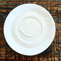 スマイル醤油皿 ホワイト