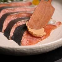 鮭とたらこの粕漬A(粕漬 新巻鮭3切、塩たらこ2腹)【901】