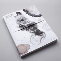 Lizan Freijsen / The Living Surface - An Alternative Biology Book On Stains