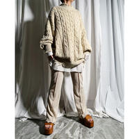 Big cable damege knit ( light beige )