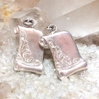 Letter charm <silver>
