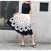 Rinascimento シースルー花柄プリーツノースリーブワンピース 黒×白