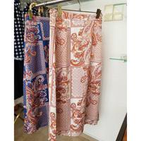 スカーフ柄ロングスカート