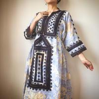 baloch dress 水色の華
