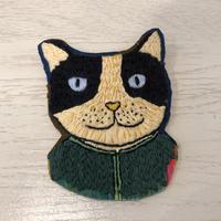 【チャリティ販売】mannineモチーフの刺繍ブローチ