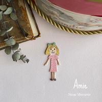 Amie(アミ)ちゃん/ 刺繍アイロンワッペン