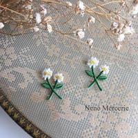 小さなお花/刺繍アイロンワッペン 2枚セット