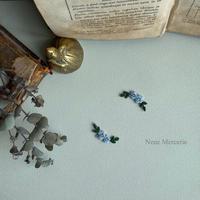 「カギカッコのお花」 ブルー/2枚セット/刺繍アイロンワッペン